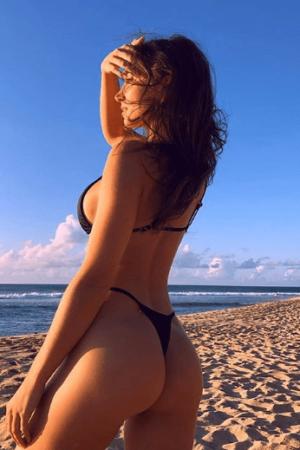 אישה עם גוף מדהים עכשיו בתל אביב
